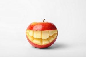 تأثیر غذاها روی دندان